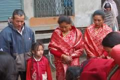 Erster Haarschnitt - Chudakarana - Aufstellung der Familie mit Tante