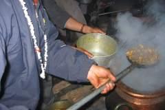 Erster Haarschnitt - Chudakarana - die Küche im Hinterhof