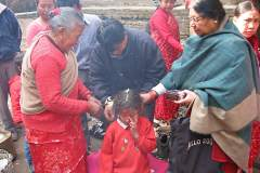 Erster Haarschnitt - Chudakarana - Die Zöpfe werden gelöst