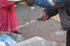 Erster Haarschnitt - Chudakarana -  gesegnetes Schlachtmesser