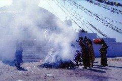 BoRäucherstelle in der Tempelanlage Boudhanat in Kathmandu