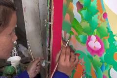 Bäume, Wiesen und Tiere in die Landschaft zeichnen