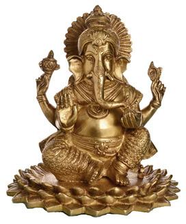 Ganesha Statue sitzend auf Lotusblume