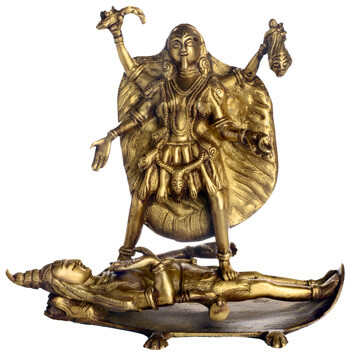 Kali stehend auf Shiva